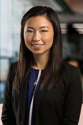 Jen<span>Dental Marketing Associate</span>